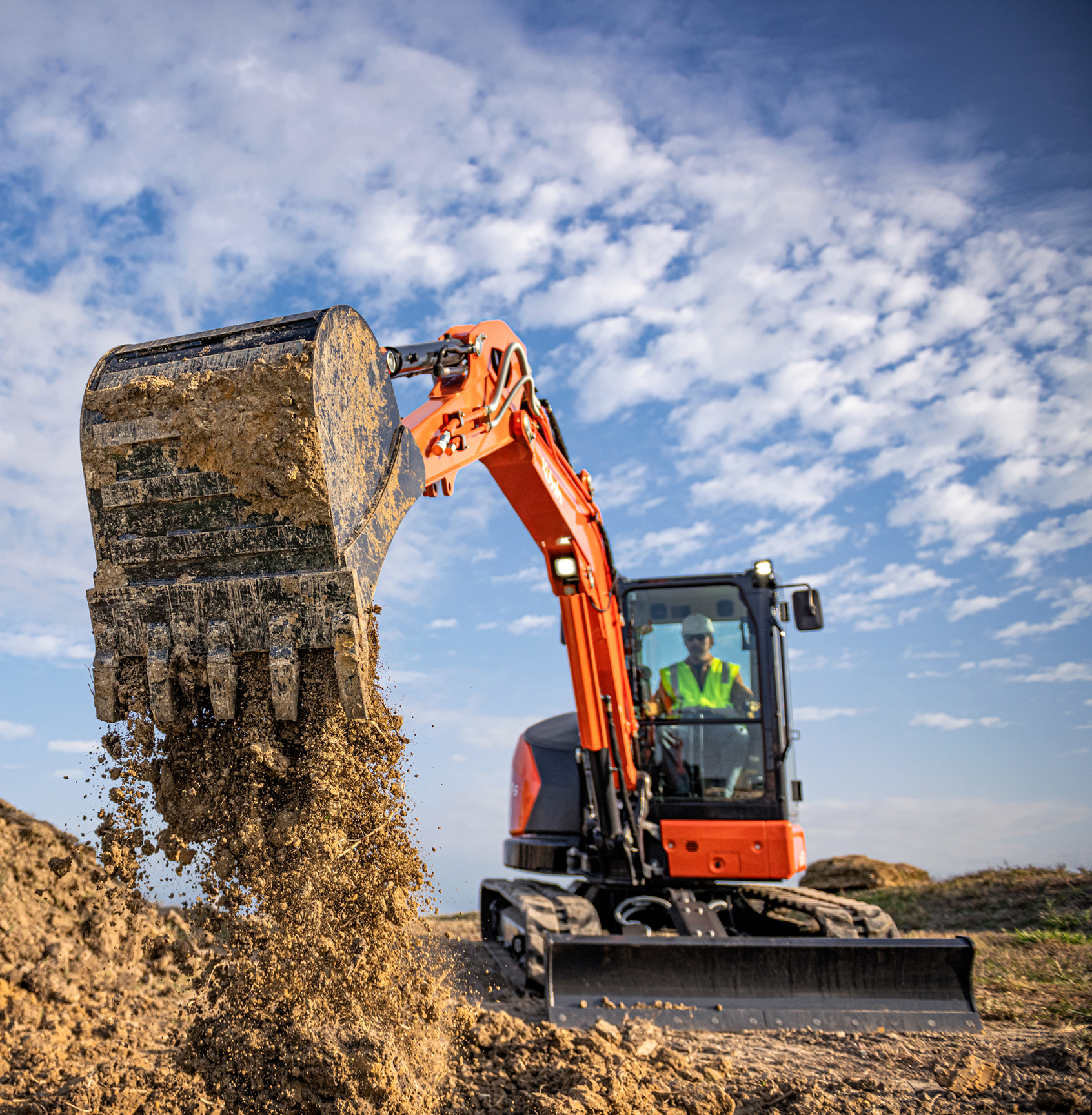 Kubota KX0575 Compact-Excavator with bucket